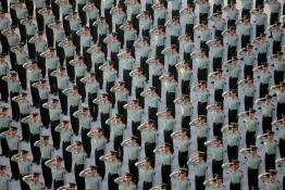В Китае отметили 65-летие образования КНР.