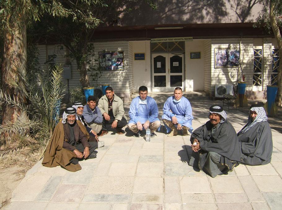 Vigen Tatintsyan with Arab sheikhs