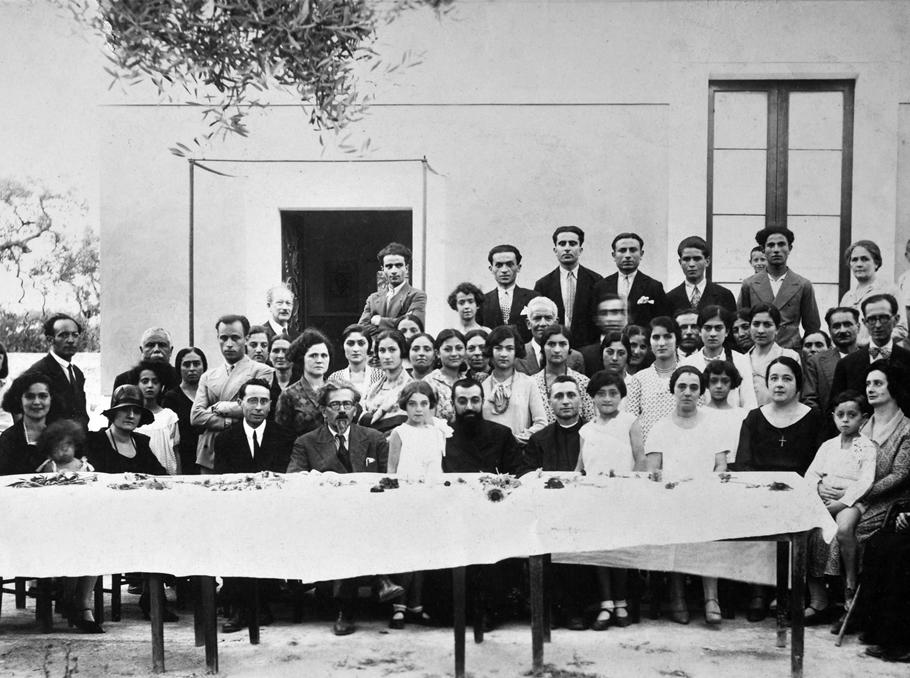 Հրանտ Նազարյանցը Բարիի հայ համայնքի անդամների հետ